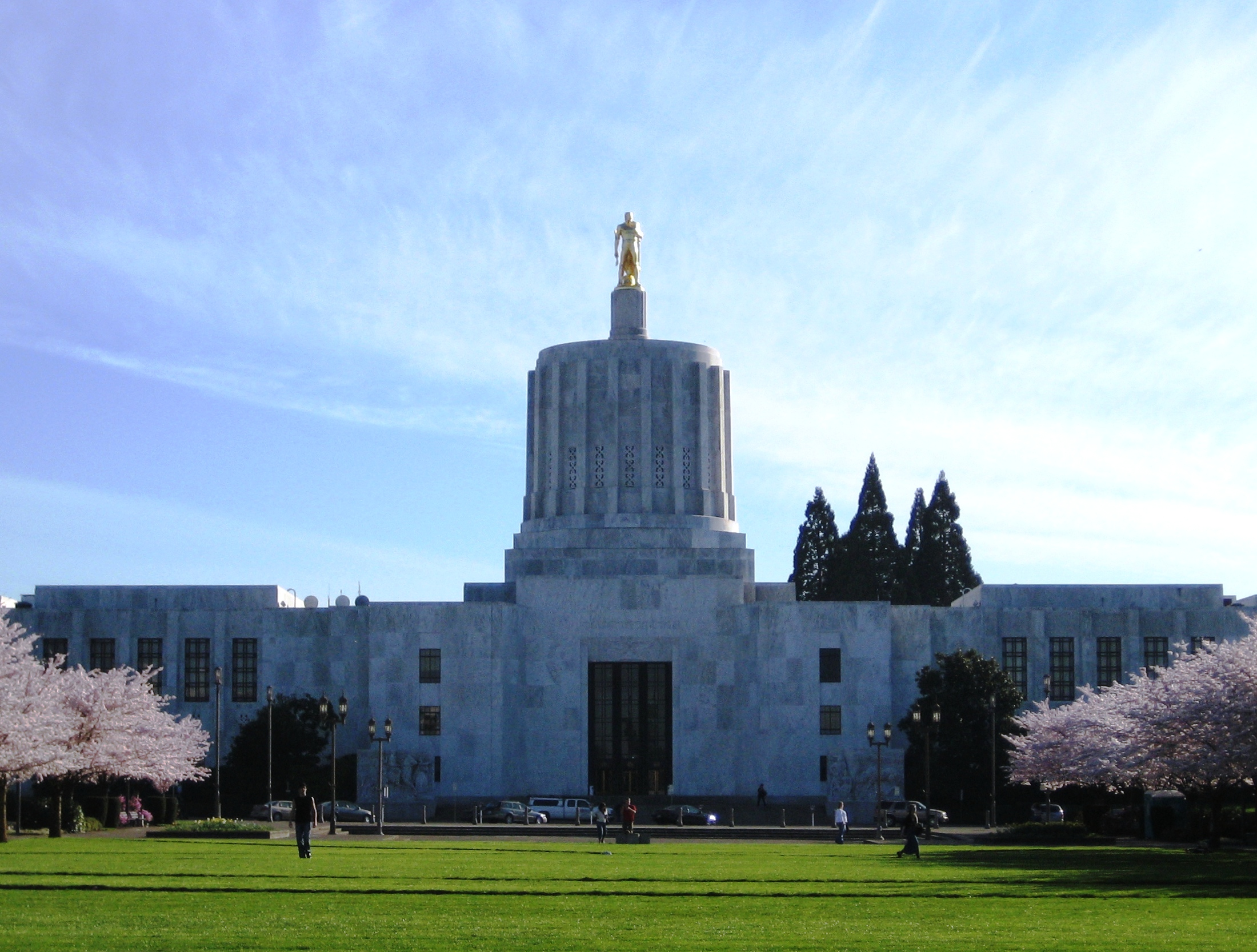 How much is spent in Oregon on welfare each year?
